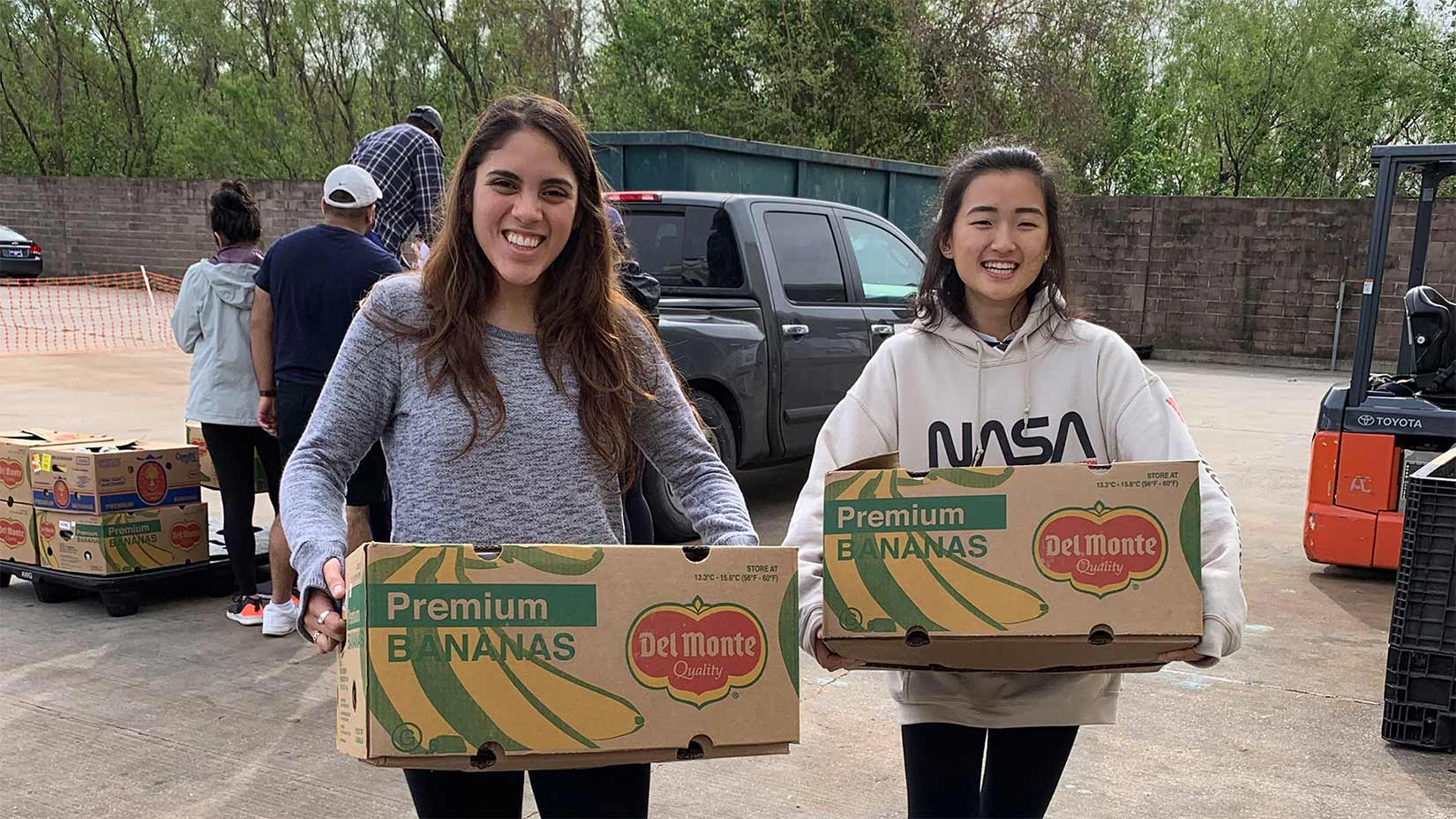 Students partnered with NetWork Volunteers in the Louisiana bayous volunteering at a food pantry.