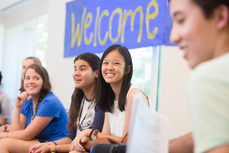 New students attend informational sessions about college life